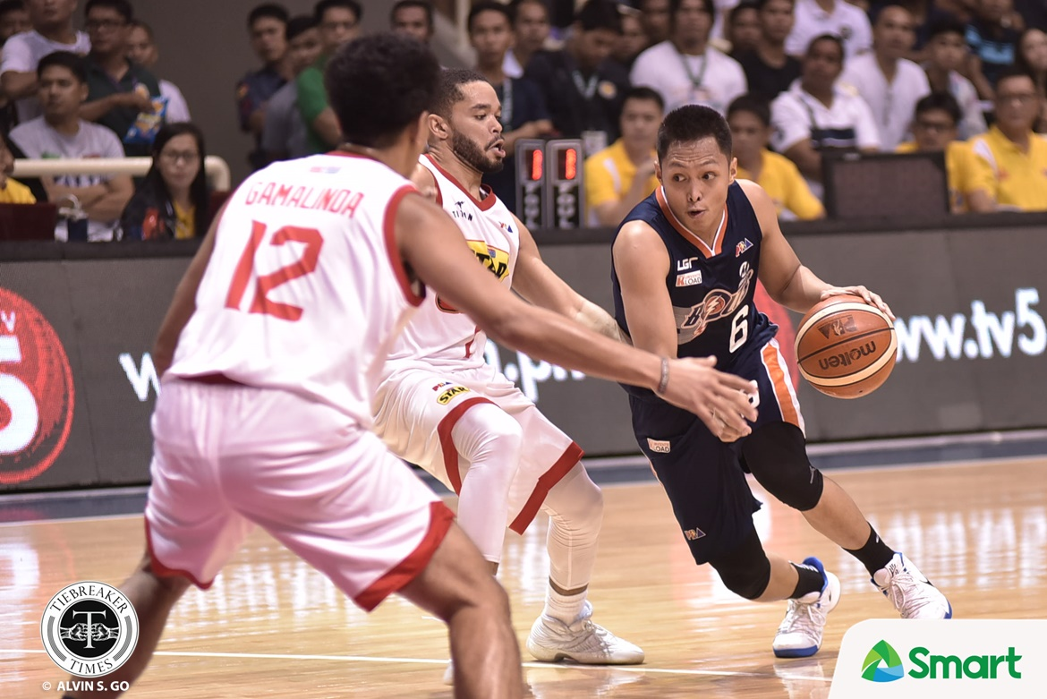 Philippine Sports News - Tiebreaker Times Meralco keeps heads up despite loss to San Miguel Basketball News PBA  PBA Season 43 Norman Black Mike Tolomia Meralco Bolts 2017-18 PBA Philippine Cup