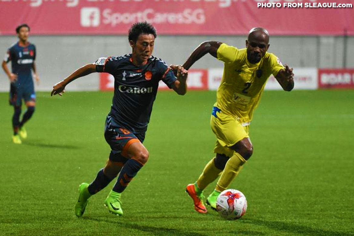 Philippine Sports News - Tiebreaker Times Albirex Niigata outlasts Global Cebu in penalties to win Singapore Cup Football News PFL  Wesley dos Santos Pika Minegishi Patrick Deyto Paolo Salenga Global-Cebu FC Akbar Nawas 2017 Singapore Cup