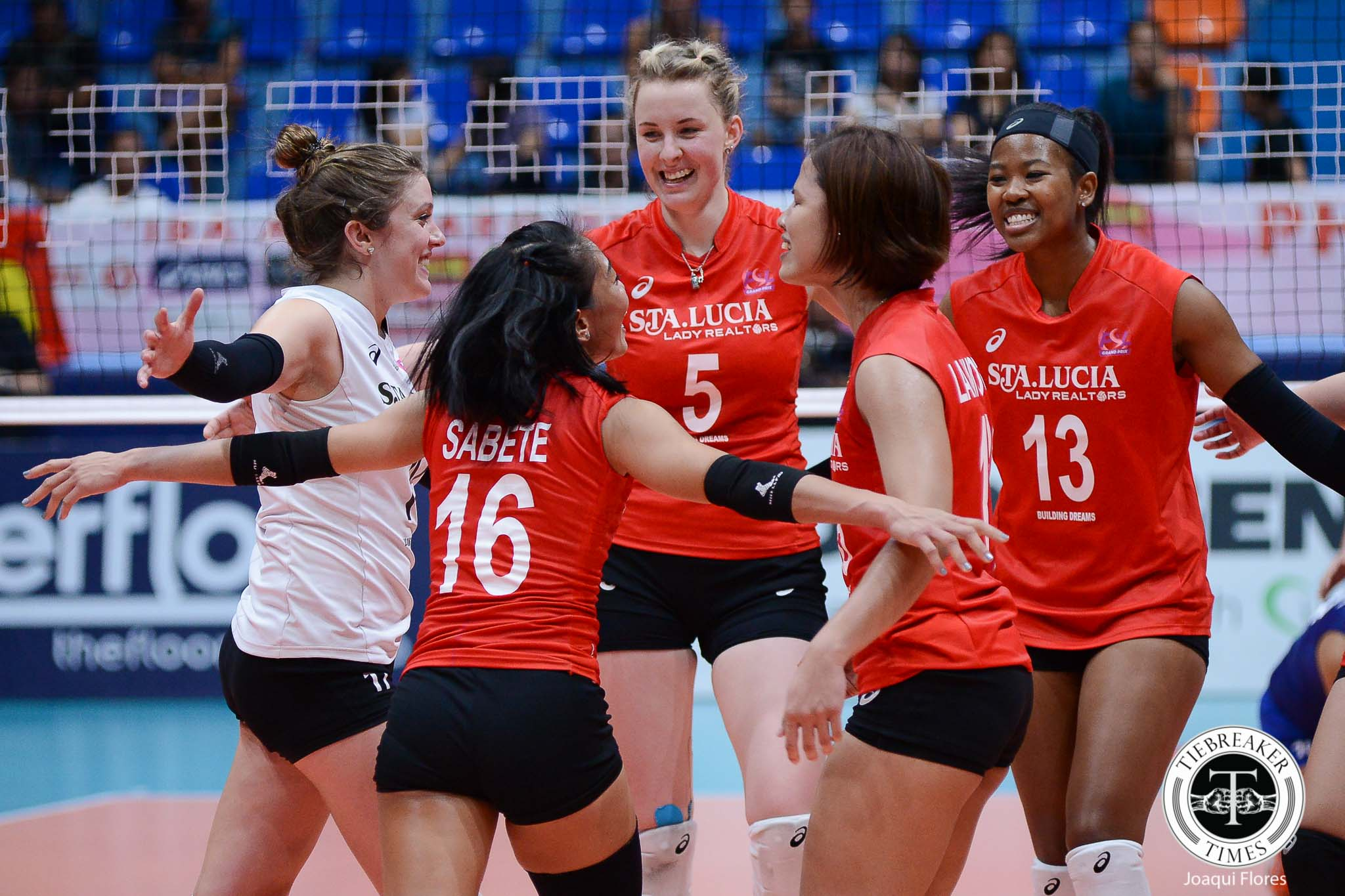 Philippine Sports News - Tiebreaker Times Sta. Lucia ends elims on high note at Generika-Ayala's expense News PSL Volleyball  Sta. Lucia Lady Realtors Marisa Field Kristen Moncks Katarina Pilepic Jerry Yee Generika Lifesavers Francis Vicente Djanel Cheng Darlene Ramdin Bohdana Anisova 2017 PSL Season 2017 PSL Grand Prix