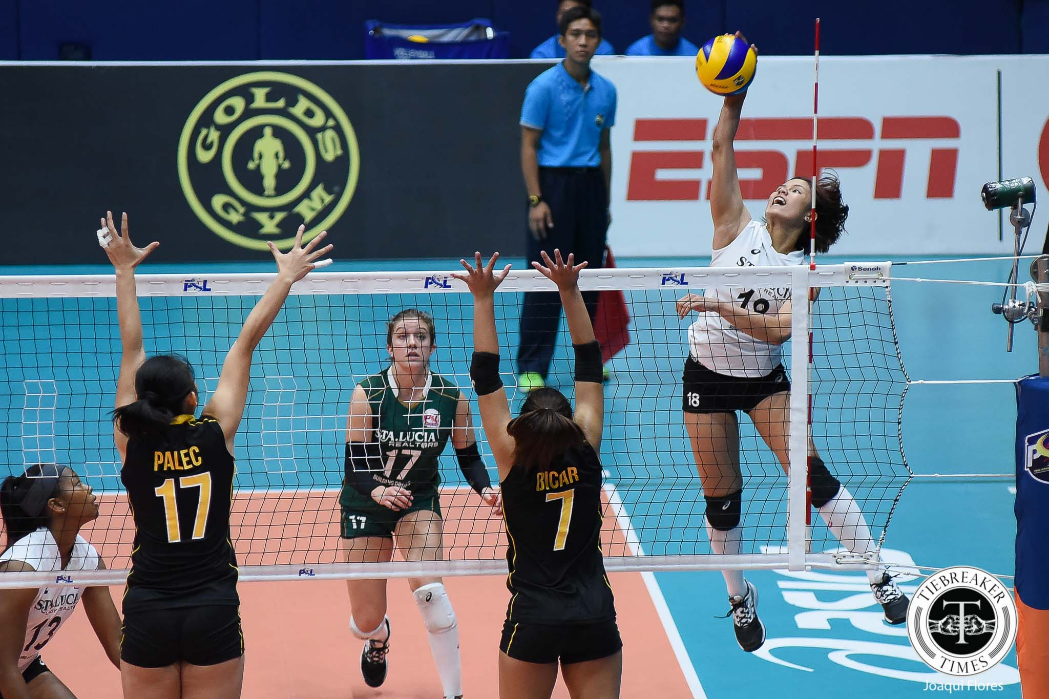 Philippine Sports News - Tiebreaker Times Sta. Lucia earns first win, keeps UST struggling News PSL UST Volleyball  Victoria Sports-UST Tigresses UST Women's Volleyball Sta. Lucia Lady Realtors Rebecca Rivera Paul Jan Dolorian Pam Lastimosa Mary Pacres Kristen Moncks Jerry Yee Chooks-to-Go Carla Sandoval Bohdana Anisova 2017 PSL Season 2017 PSL Grand Prix