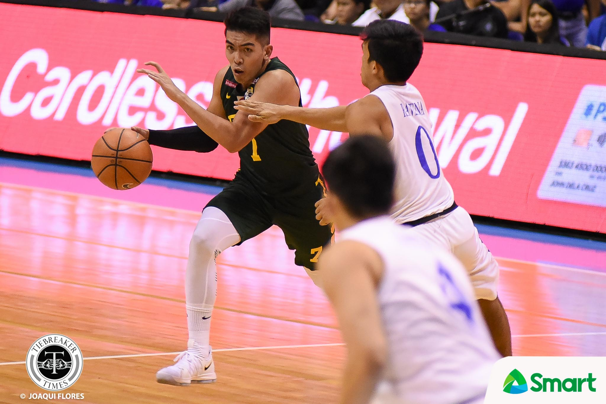 Philippine Sports News - Tiebreaker Times FEU outworks Ateneo to force win-or-go-home tilt ADMU Basketball FEU News UAAP  UAAP Season 80 Men's Basketball UAAP Season 80 Thirdy Ravena Tab Baldwin Ron Dennison Olsen Racela Mike Nieto FEU Men's Basketball Ateneo Men's Basketball Arvin Tolentino