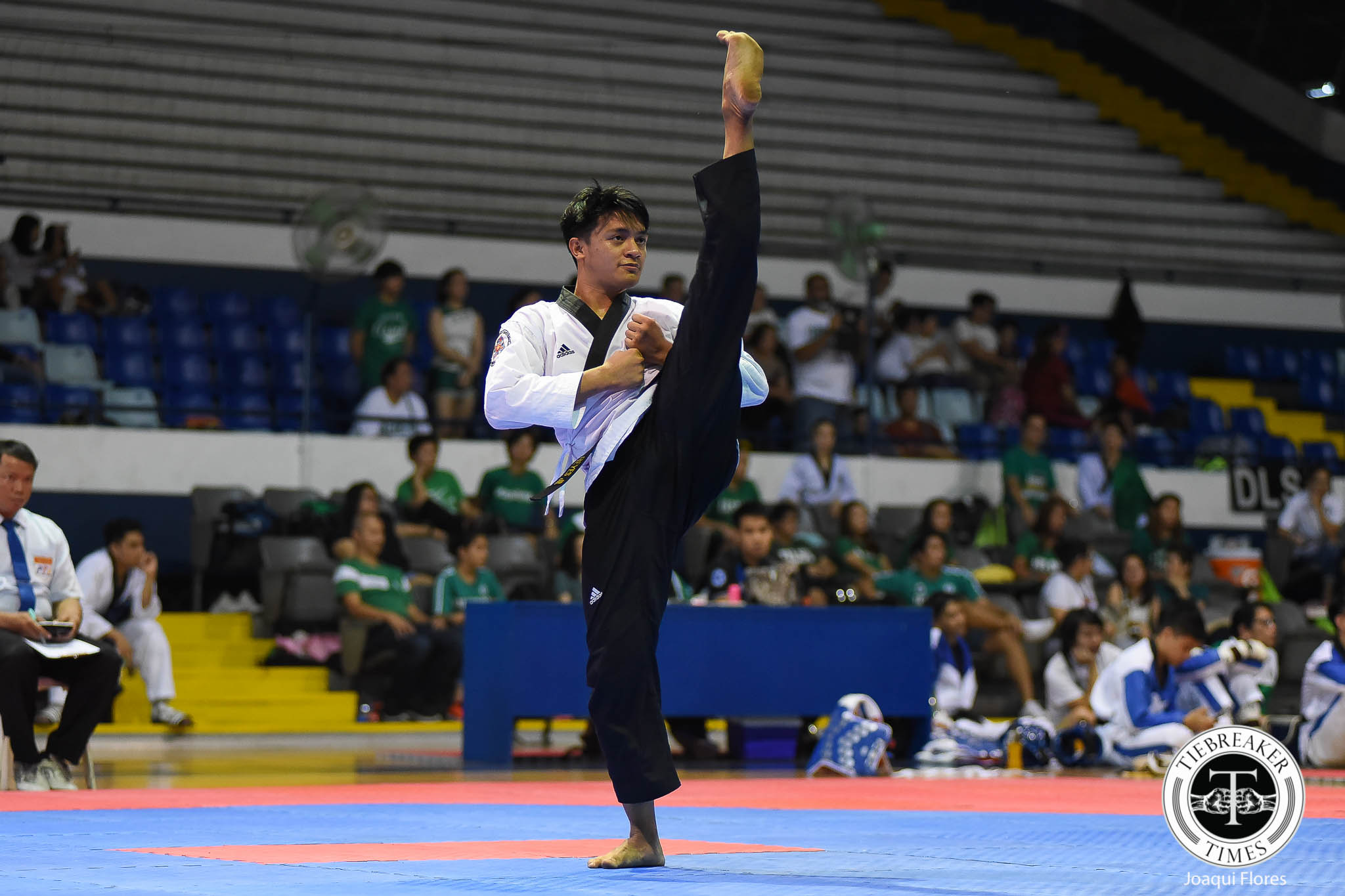 Tiebreaker Times Junior Reyes opens SEAG taekwondo with poomsae gold 2019 SEA Games News Taekwondo  Rodolfo Reyes Jr 2019 SEA Games - Taekwondo 2019 SEA Games