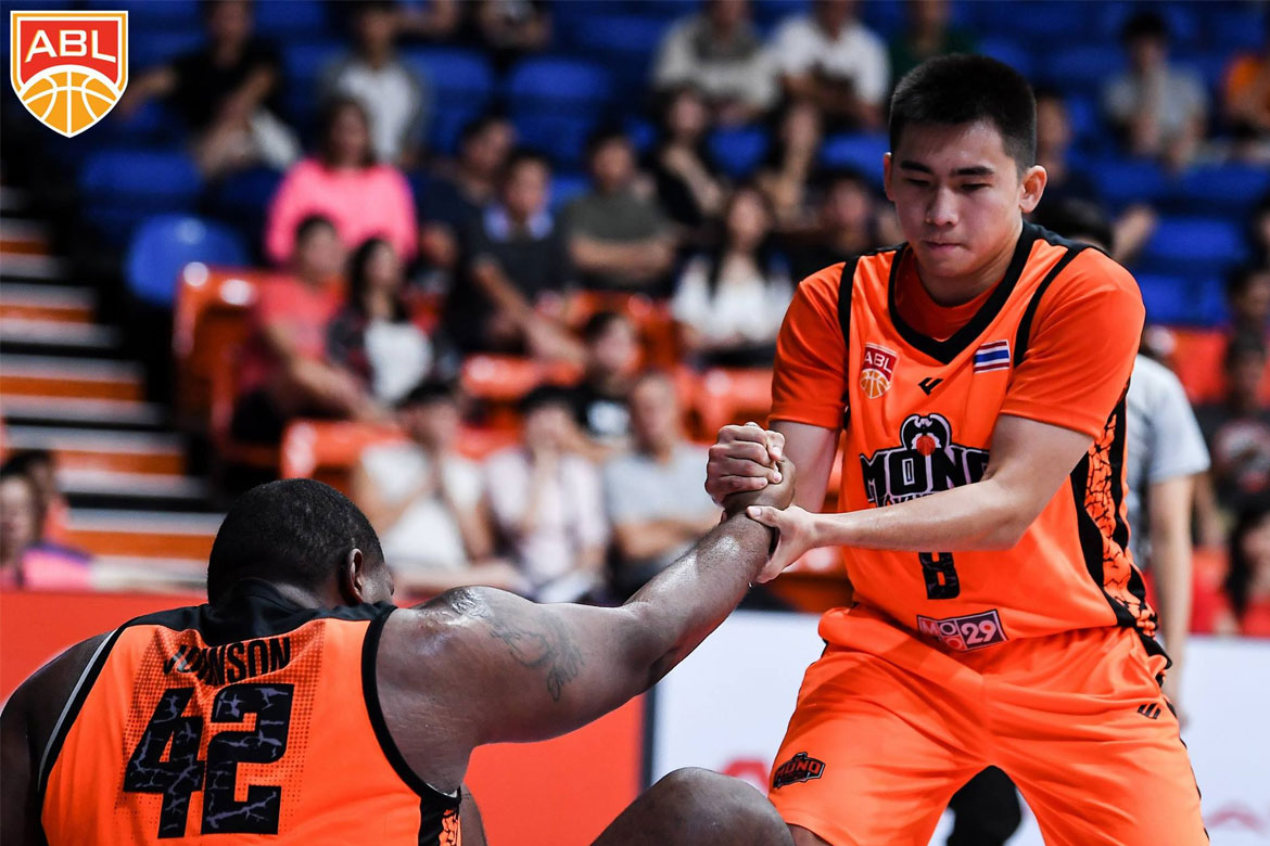 Philippine Sports News - Tiebreaker Times Paul Zamar hailed as Heritage Import of the Week ABL Basketball News  Singapore Slingers Paul Zamar Mono Vampire AJ Mandani 2017-18 ABL Season