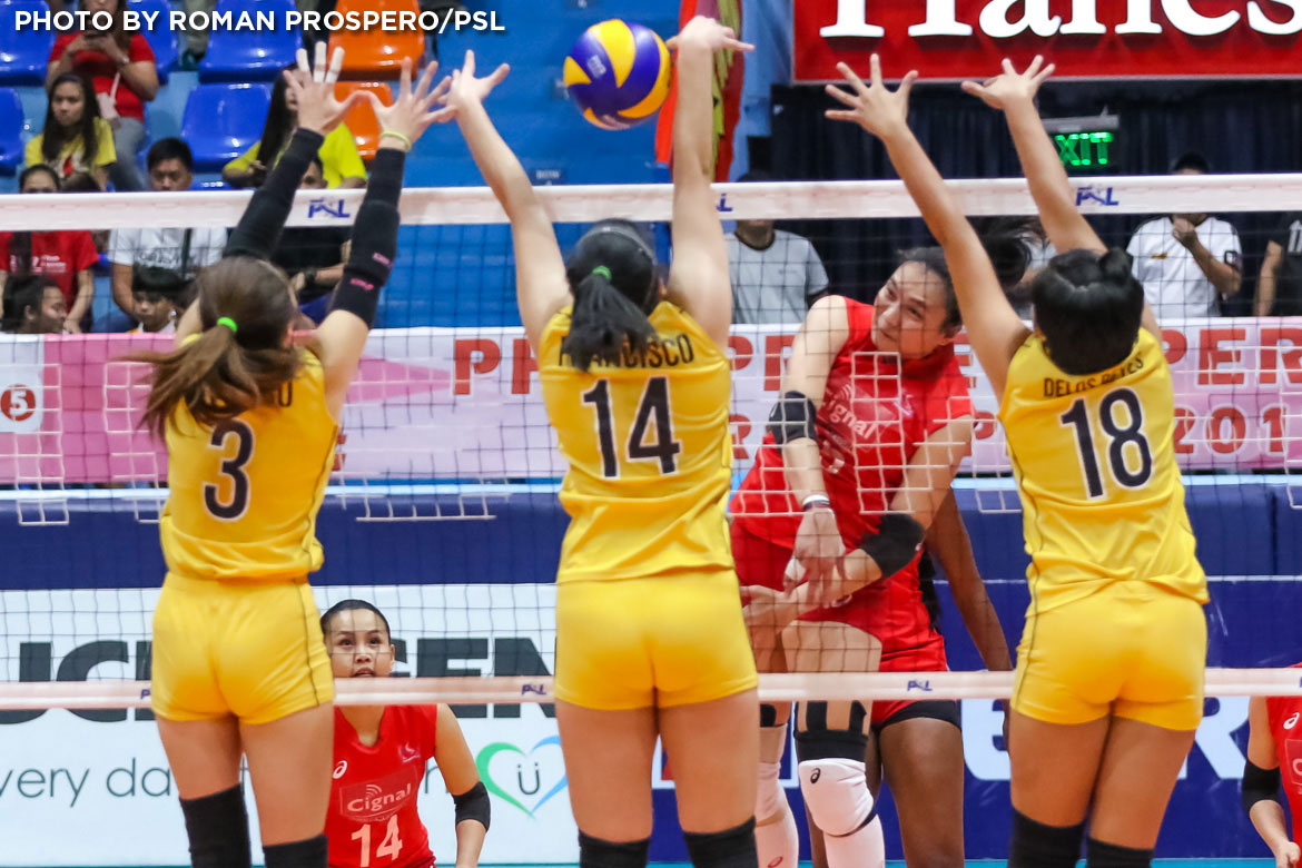 Philippine Sports News - Tiebreaker Times Cignal HD claims fourth seed, sends Victoria Sports-UST packing News PSL UST Volleyball  Victoria Sports-UST Tigresses UST Women's Volleyball Royse Tubino Mary Pacres Mami Miyashita John Paul Dolorias George Pascua Cignal HD Spikers Chie Saet Carla Sandoval Alexis Matthews 2017 PSL Season 2017 PSL Grand Prix