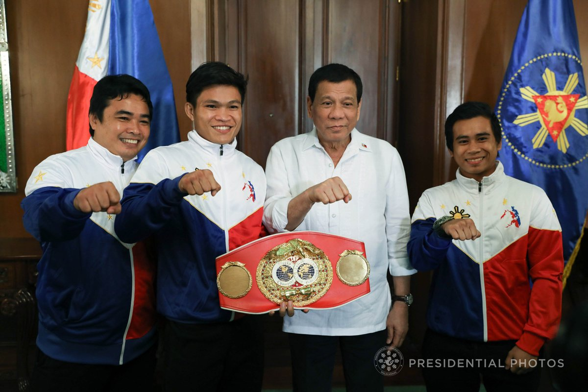 Philippine Sports News - Tiebreaker Times Bob Arum sees Jerwin Ancajas as the 'next Manny Pacquiao' Boxing News  Top Rank Promotions Mark Anthony Barriga Joven Jimenez Jerwin Ancajas Bob Arum