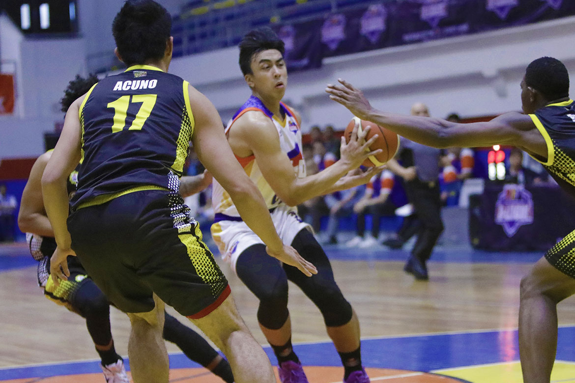 Tiebreaker Times Go for Gold survives Kent Salado injury to turn back Gamboa-St. Clare Basketball CSB News PBA D-League  Raymond Rubio Mohammed Pare Kent Salado Justin Gutang Jerwin Gaco Jenino Manansala Go for Gold-CSB Gamboa-St. Clare Coffee Lovers Clement Leutcheu Charles Tiu Aris Dionisio 2018 PBA D-League Season 2018 PBA D-League Aspirants Cup