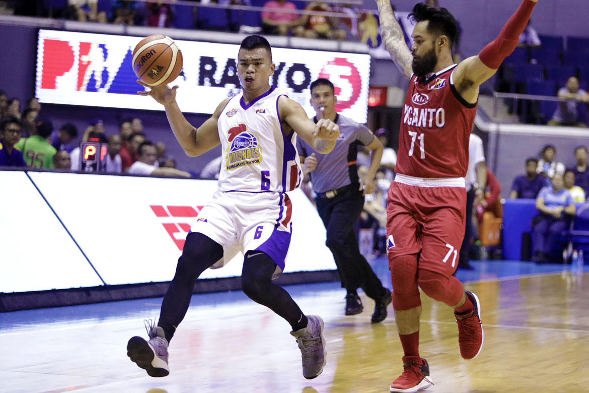 Philippine Sports News - Tiebreaker Times '70 percent' Jio Jalalon provides spark for Hotshots Basketball News PBA  PBA Season 43 Magnolia Hotshots Jio Jalalon 2017-18 PBA Philippine Cup