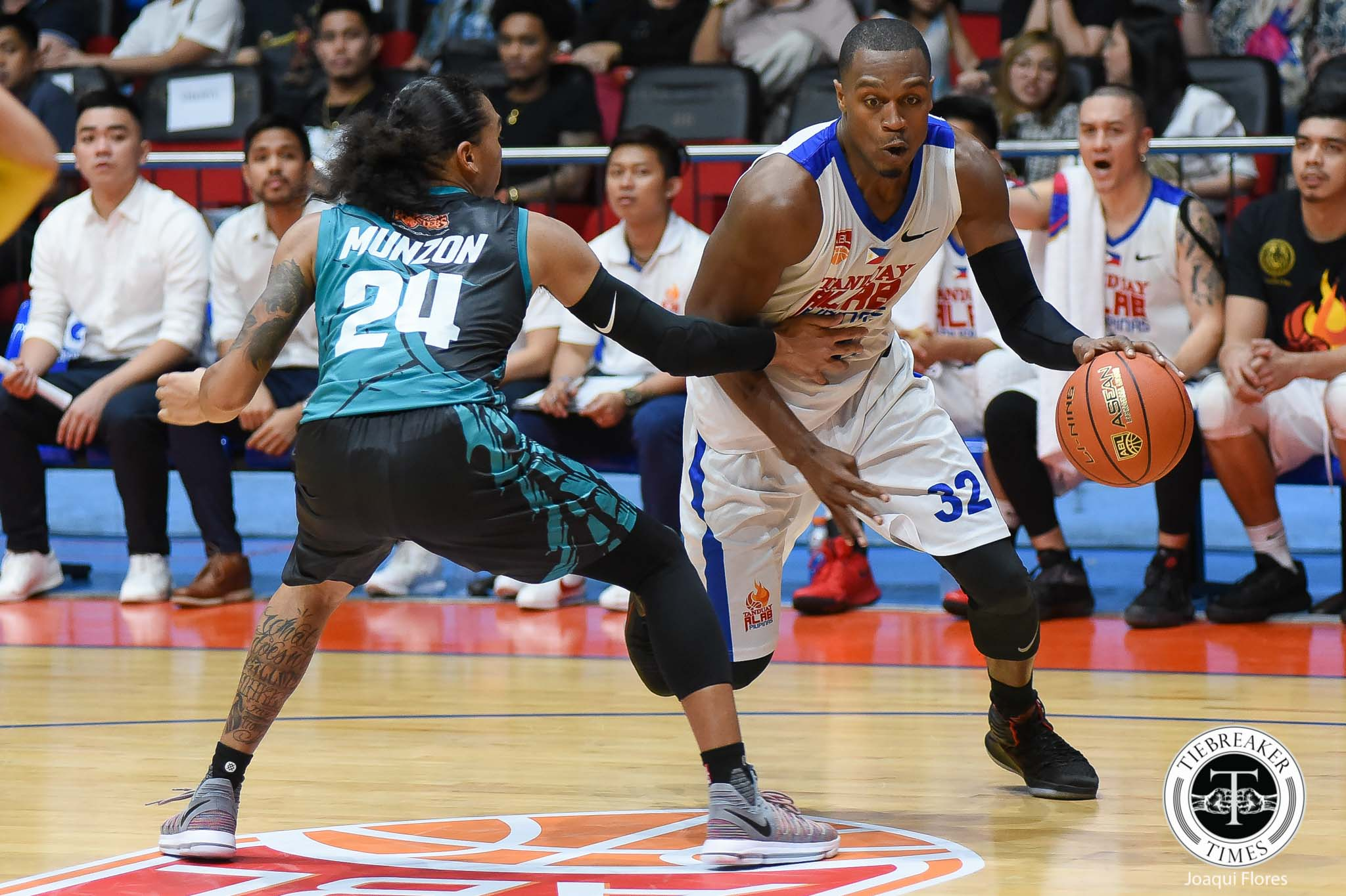 Philippine Sports News - Tiebreaker Times Jetlag and all, Justin Brownlee wakes up Alab ABL Alab Pilipinas Basketball News  Justin Brownlee Jimmy Alapag 2017-18 ABL Season