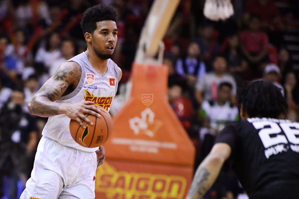 Tiebreaker Times Mikey Williams outduels Mikh McKinney as Saigon ends another streak ABL Basketball News  Saigon Heat Mikhael McKinney Michael Williams Chongson Kung Fu Caelan Tiongson 2017-18 ABL Season