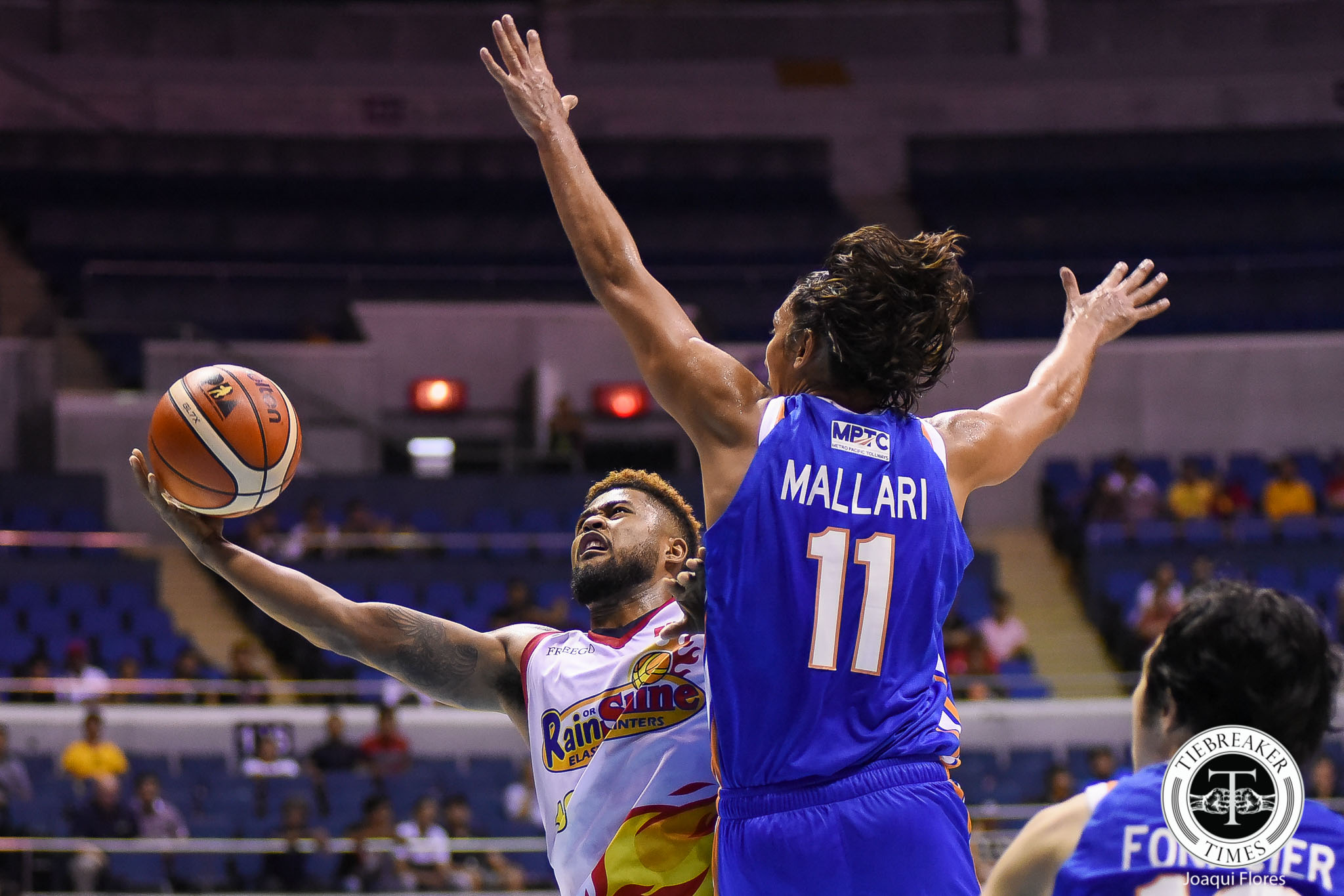 Tiebreaker Times Rain or Shine bounces back, sends NLEX to fourth consecutive loss Basketball News PBA  Yeng Guiao Rain or Shine Elasto Painters PBA Season 43 NLEX Road Warriors Maverick Ahanmisi Kiefer Ravena JR Quinahan James Yap Gabe Norwood Chris Tiu Caloy Garcia Alex Mallari 2017-18 PBA Philippine Cup