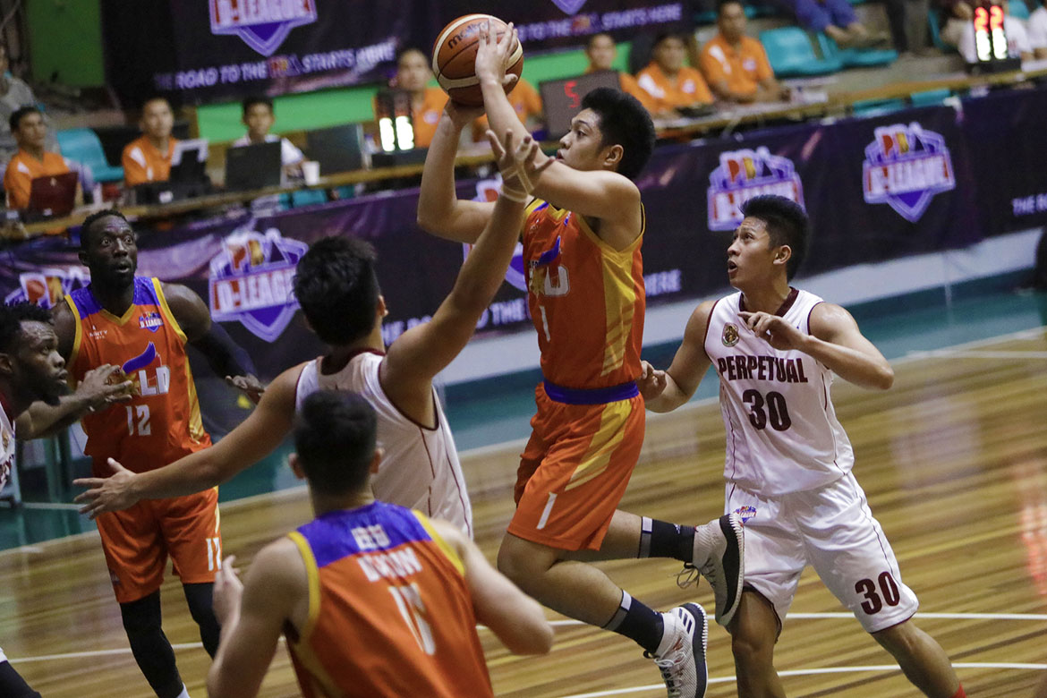 Tiebreaker Times J-jay Alejandro shines as Go for Gold ends skid at Perpetual's expense Basketball CSB News PBA D-League UPHSD  Rey Peralta Perpetual Seniors Baketball Kim Aurin Jerwin Gaco J-Jay Alejandro Go-for-Gold Scratchers Frankie Lim Clement Leutcheu Charles Tiu 2018 PBA D-League Season 2018 PBA D-League Aspirants Cup