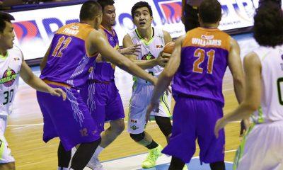 Tiebreaker Times Ryan Araña plays role of coach during Globalport's win over Kia Basketball News PBA  Ryan Arana Pido Jarencio PBA Season 43 Globalport Batang Pier 2017-18 PBA Philippine Cup