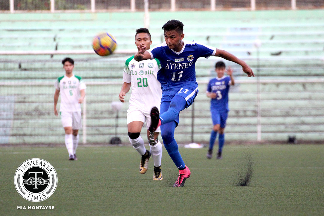 Philippine Sports News - Tiebreaker Times Jarvey Gayoso double lifts Ateneo past archrivals La Salle ADMU DLSU Football News UAAP  UAAP Season 80 Men's Football UAAP Season 80 Paeng De Guzman Mauro Acot John Paul Merida Jarvey Gayoso Hans-Peter Smit DLSU Men's Football Ateneo Men's Football AJ Arcilla