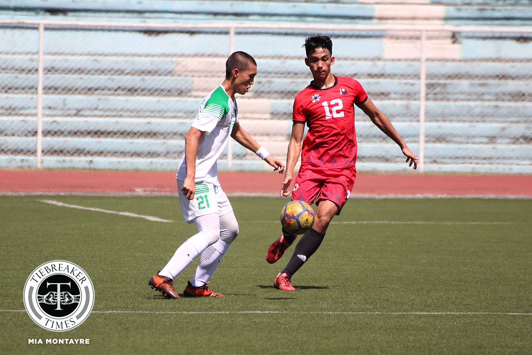 Tiebreaker Times UE withstands Louie Polinag's ejection to sink lackluster La Salle DLSU Football News UAAP UE  UE Men's Football UAAP Season 80 Men's Football UAAP Season 80 Nicko Villacin Mark Lerion Mar Diano Kerbi Almonte Frank Rieza Fitch Arboleda DLSU Men's Football Alvin Ocampo
