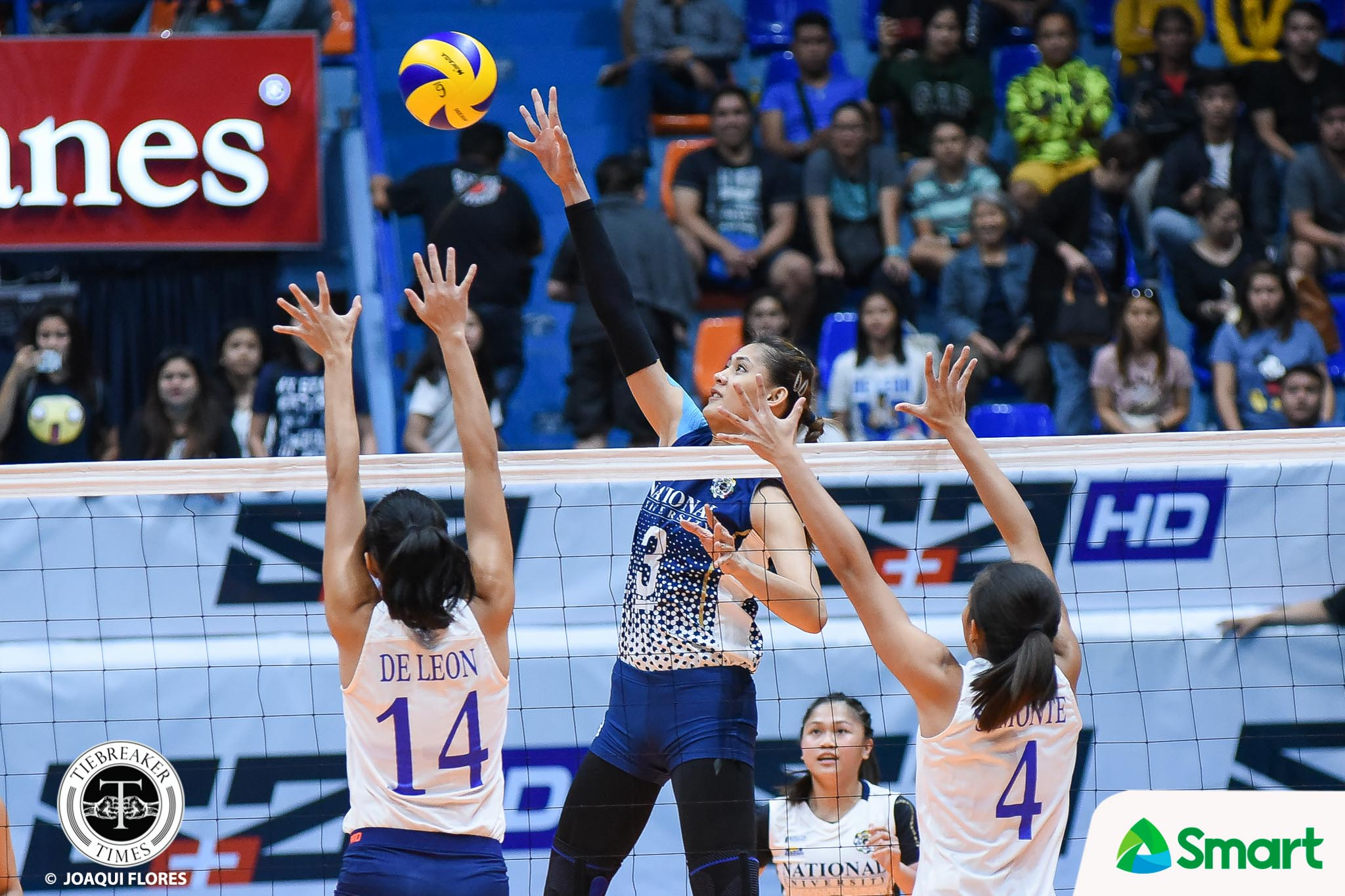 Tiebreaker Times Lady Bulldogs shut down Lady Eagles comeback ADMU News NU UAAP Volleyball  UAAP Season 80 Women's Volleyball UAAP Season 80 Tai Bundit NU Women's Volleyball Kat Tolentino Joni Chavez Jho Maraguinot Jasmine Nabor Jaja Santiago Babes Castillo Ateneo Women's Volleyball