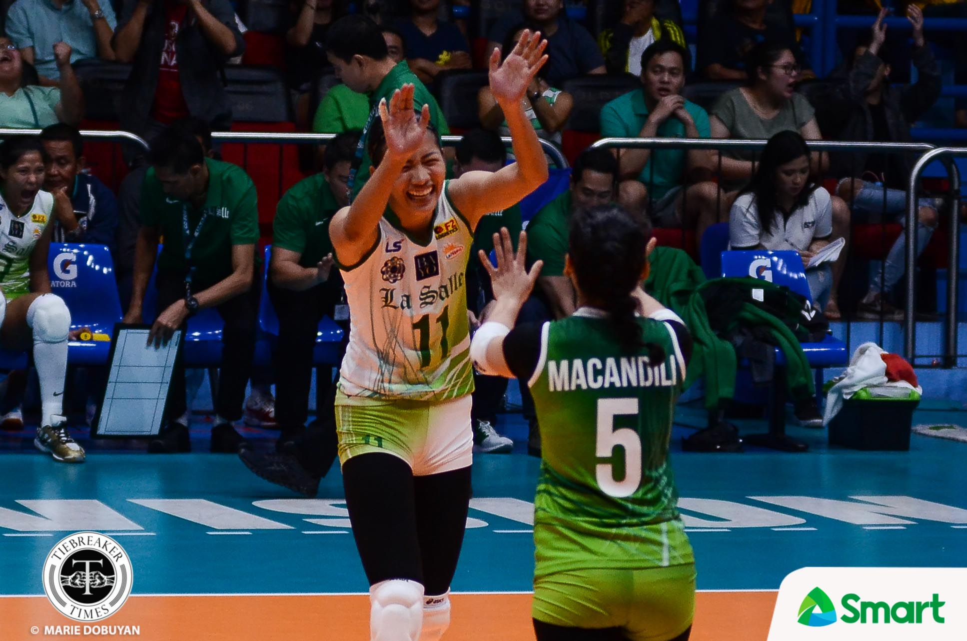 Tiebreaker Times La Salle quells UP to remain unscathed DLSU News UAAP UP Volleyball  UP Women's Volleyball UAAP Season 80 Women's Volleyball UAAP Season 80 Tin Tiamzon Ramil De Jesus Michelle Cobb Kianna Dy Isa Molde Godfrey Okumu DLSU Women's Volleyball Diana Carlos Dawn Macandili