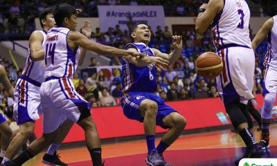 Philippine Sports News - Tiebreaker Times Kevin Alas left helpless as apparent knee injury bars him from finishing Game 5 Basketball News PBA  PBA Season 43 NLEX Road Warriors Kiefer Ravena Kevin Alas 2017-18 PBA Philippine Cup