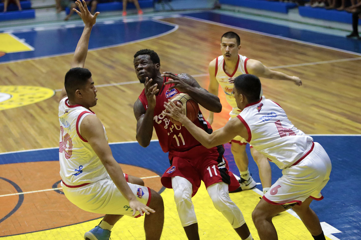 Philippine Sports News - Tiebreaker Times Mike Nzeusseu, Marcelino twins hold off Marinerong Pilipino, give Zark's-Lyceum 1-0 lead Basketball LPU News PBA D-League  Zark's-Lyceum Jawbreakers Wilson Baltazar Rian Ayonayon Mike Nzeusseu Marinerong Pilipino Koy Banal Jayvee Marcelino Jaycee Marcelino Gab Banal CJ Perez Billy Ray Robles Alvin Pasaol 2018 PBA D-League Season 2018 PBA D-League Aspirants Cup