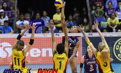 Philippine Sports News - Tiebreaker Times Bell tolls on F2 Logistics' championship reign, saves Petron in Game One News PSL Volleyball  Yuri Fukuda Shaq delos Santos Rhea Dimaculangan Petron Blaze Spikers MJ Perez Lindsay Stalzer Katherine Bell F2 Logistics Cargo Movers Arnold Laniog 2018 PSL Season 2018 PSL Grand Prix