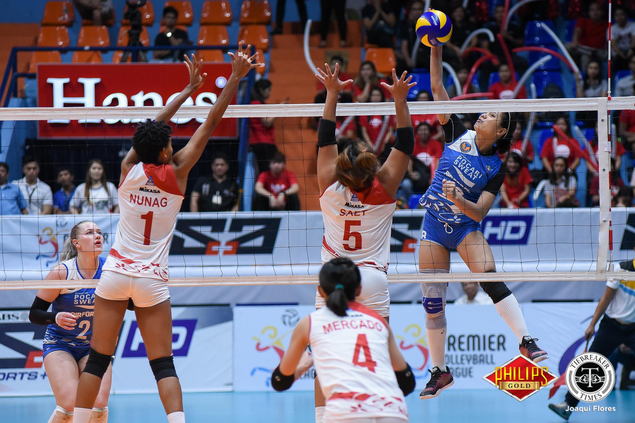 Tiebreaker Times Pocari Sweat-Air Force ekes out crucial win over Petro Gazz News PVL Volleyball  Wendy Semana Pocari Sweat-Air Force Lady Warriors Petro Gazz Angels Paneng Mercado Myla Pablo Jonah Sabete Jerry Yee Jellie Tempiatura Jasper Jimenez Iari Yongco 2018 PVL Season 2018 PVL Open Confererence