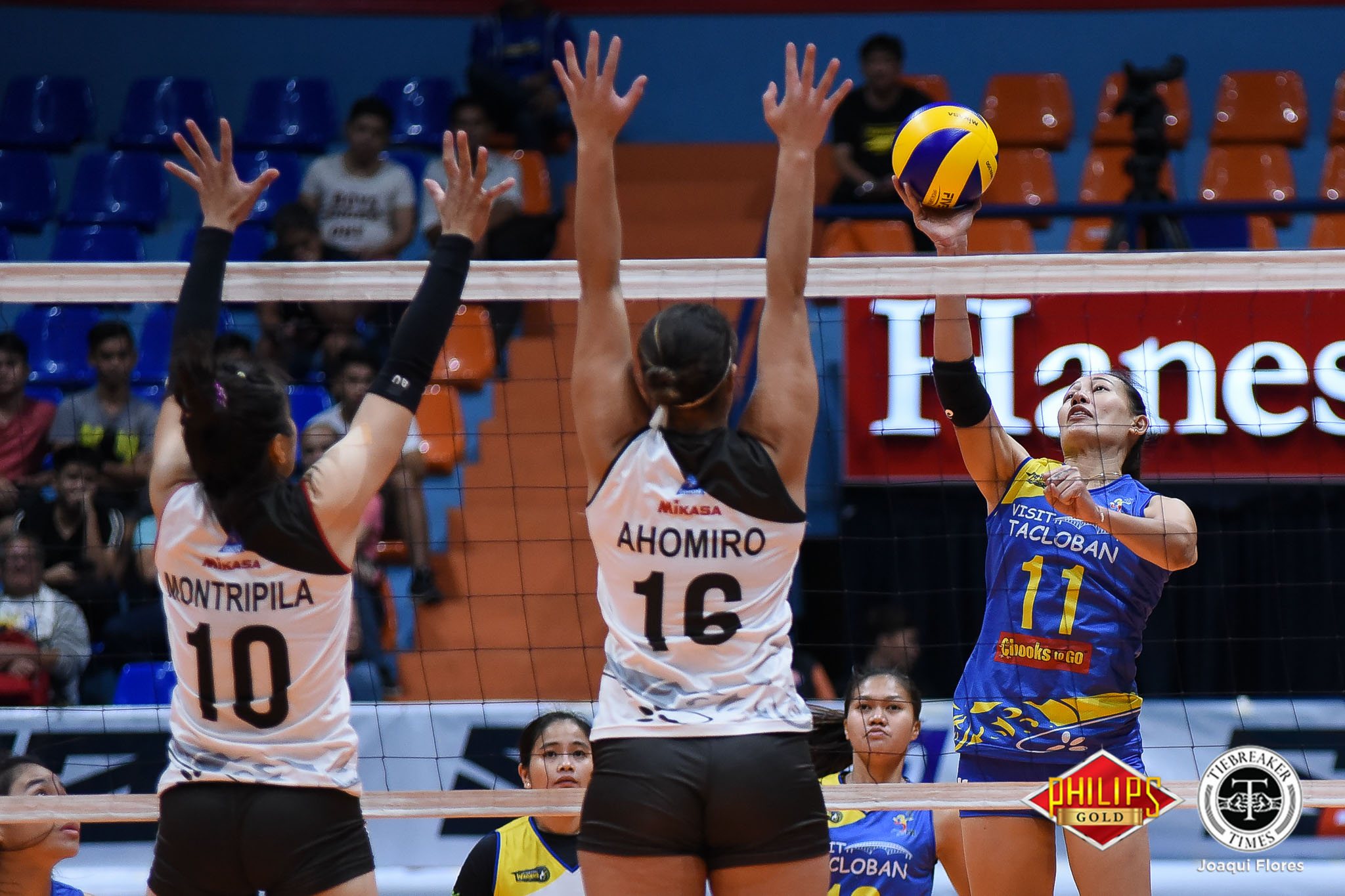 Tiebreaker Times Tacloban grinds out second straight win, sends BanKo-Perlas slumping News PVL Volleyball  Tacloban Fighting Warays Perlas Lady Spikers Nes Pamilar Kyle Negrito Kia Bright Jutarat Montripilia Jovielyn Prado Hyapa Amporn Eunice Galang Dong dela Cruz 2018 PVL Women's Reinforced Conference 2018 PVL Season
