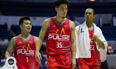 Tiebreaker Times Matthew Wright lashes out at refs after non-call: 'They gotta get their (expletive) together' Basketball News PBA  Phoenix Fuel Masters PBA Season 43 Matthew Wright 2018 PBA Commissioners Cup