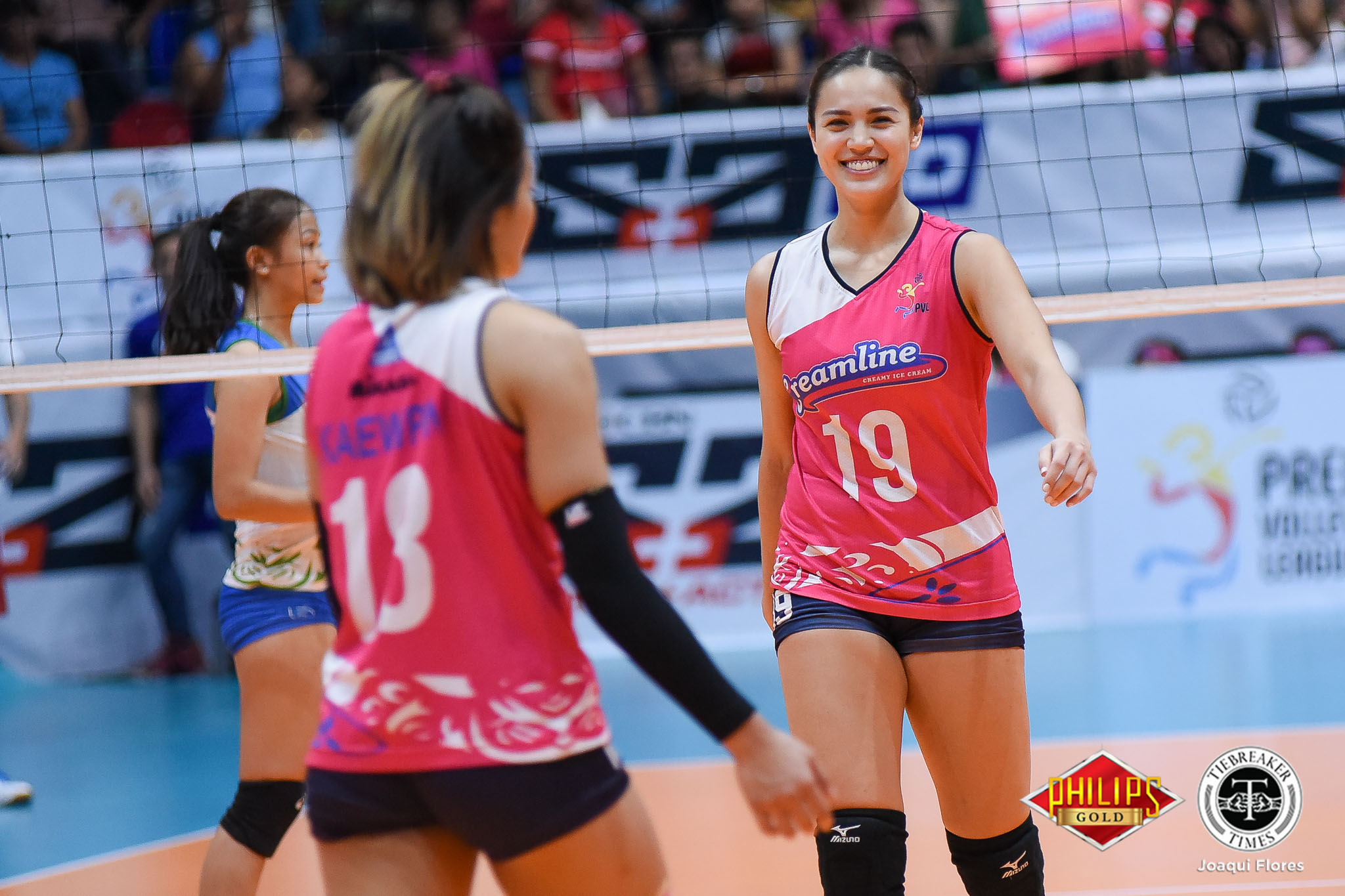 Tiebreaker Times Creamline bounces back against Pocari Sweat-Air Force, forces win-or-go-home News PVL Volleyball  Tai Bundit Pocari Sweat-Air Force Lady Warriors Myle Pablo Michele Gumabao Melissa Gohing Madeleine Palmer Kutika Kaewpin Jia Morado Jasper Jimenez Creamline Cool Smashers Alyssa Valdez 2018 PVL Women's Reinforced Conference 2018 PVL Season