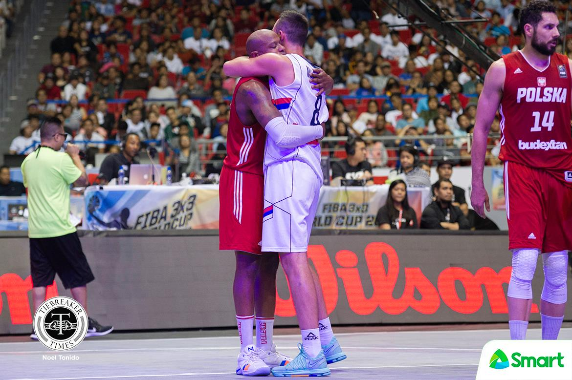 fiba 3×3 world cup – serbia def poland – Dejan Majstorovic hugs Michael Hicks