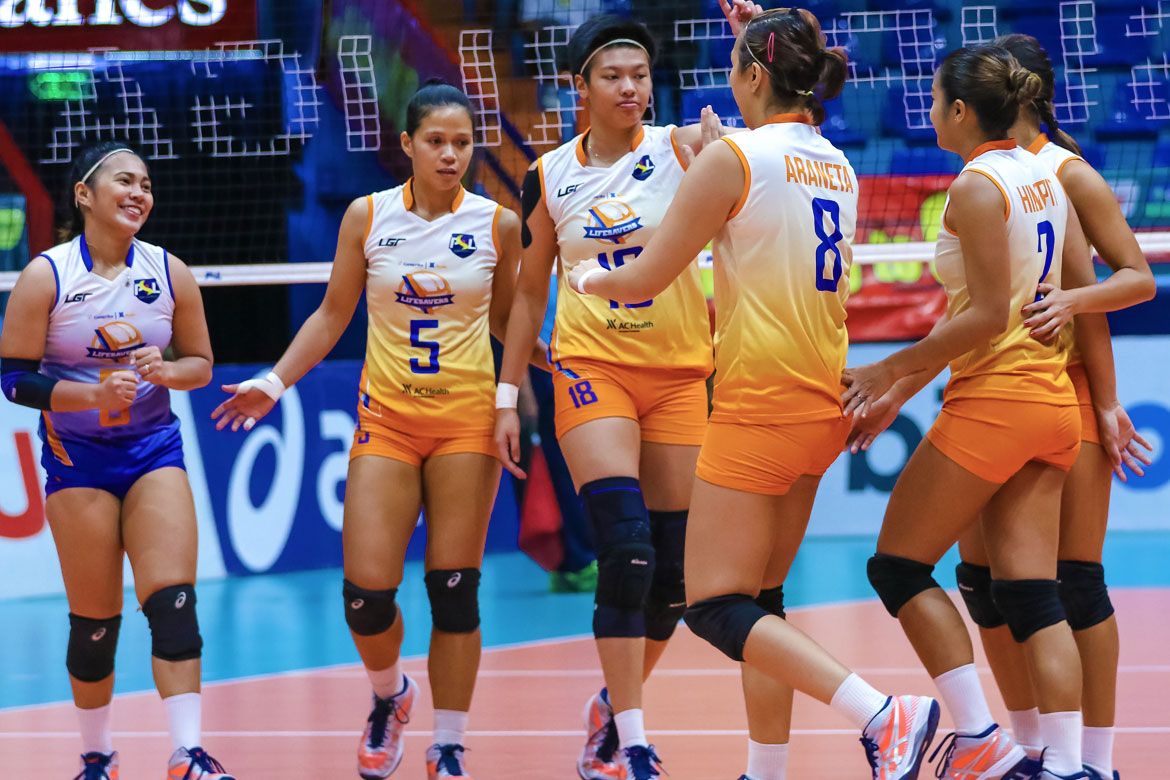 Tiebreaker Times Generika-Ayala takes down Petron in five-set thriller News PSL Volleyball  Sherwin Meneses Shaq delos Santos Petron Blaze Spikers Patty Orendain Kath Arado Generika-Ayala Lifesavers Bernadeth Pons April Hingpit Angeli Araneta Aiza Maizo-Pontillas 2018 PSL Season 2018 PSL Invitational Cup