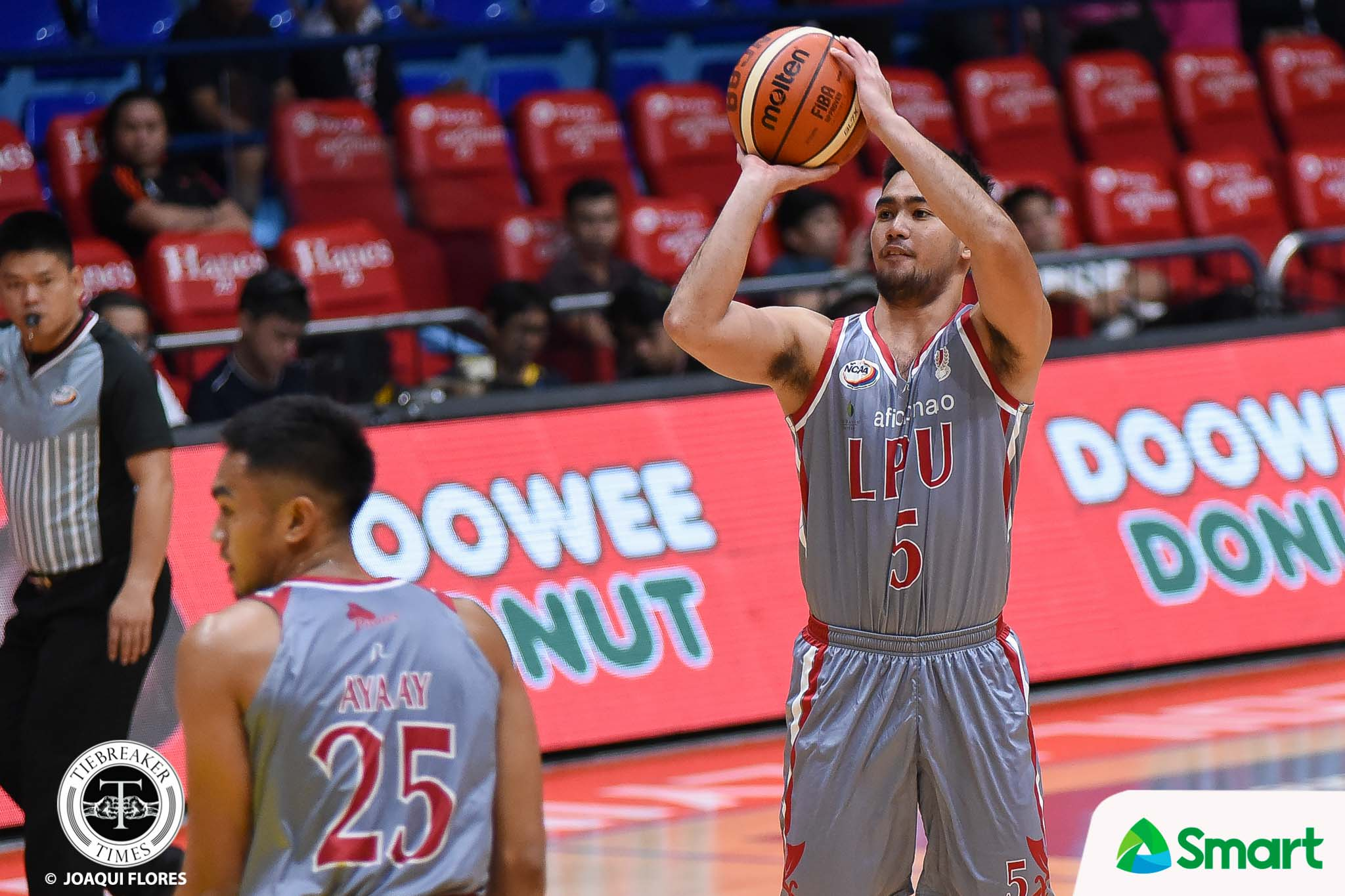 Tiebreaker Times Lyceum dismantles JRU with 32-point rout Basketball JRU LPU NCAA News  Vergel Meneses Topex Robinson NCAA Season 94 Seniors Basketball NCAA Season 94 Mike Nzeusseu Lyceum Seniors Basketball Kim Cinco JRU Seniors Basketball Jed Mendoza Jaycee Marcelino CJ Perez
