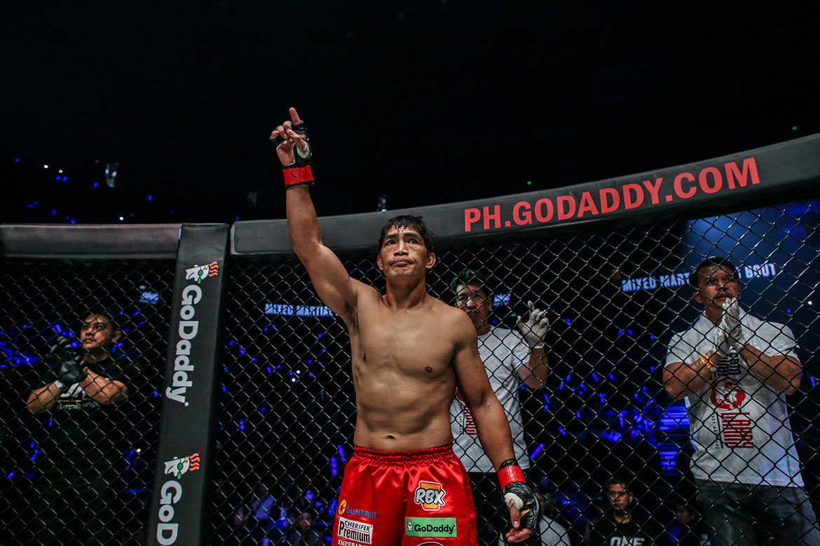 Tiebreaker Times Eduard Folayang takes a break to celebrate Mother's Day with mom, wife Mixed Martial Arts News ONE Championship  Eduard Folayang