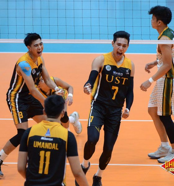 Tiebreaker Times UST scores upset win over FEU FEU News PVL UST Volleyball  UST Men's Volleyball Timothy Tajanlangit Rey Diaz Odjie Mamon Mark Collado Jayvee Sumagaysay Jay Mendiolla Genesis Redido FEU Men's Volleyball 2018 PVL Season 2018 PVL Men's Collegiate Conference