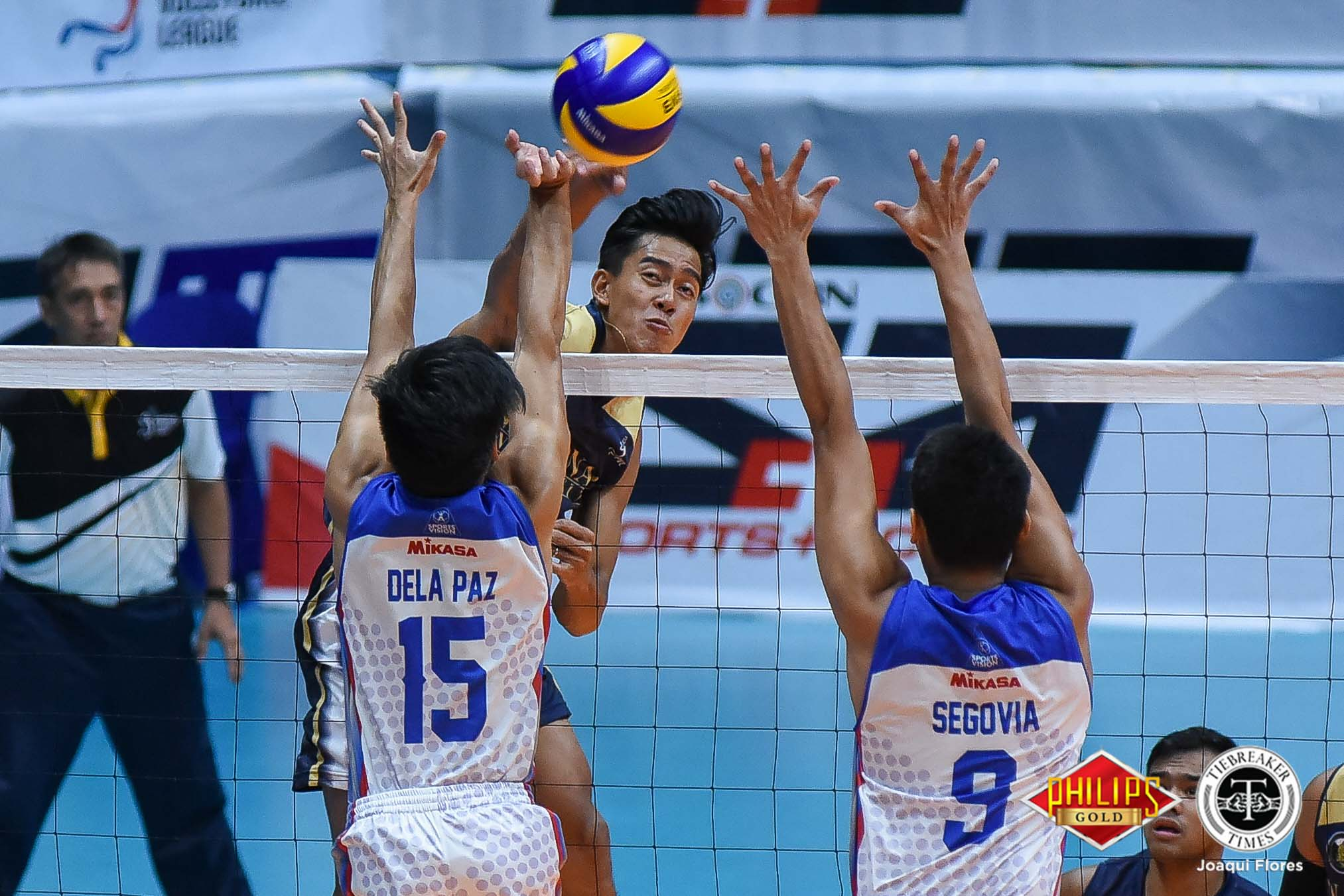 Tiebreaker Times NU streaks past Arellano for share of lead AU News NU PVL Volleyball  Sherwin Meneses Ricky Marcos NU Men's Volleyball Kim Dayandante Dante Alinsunurin Christian Segovia Bryan Bagunas Arellano Men's Volleyball Angelo Almendres 2018 PVL Season 2018 PVL Men's Collegiate Conference