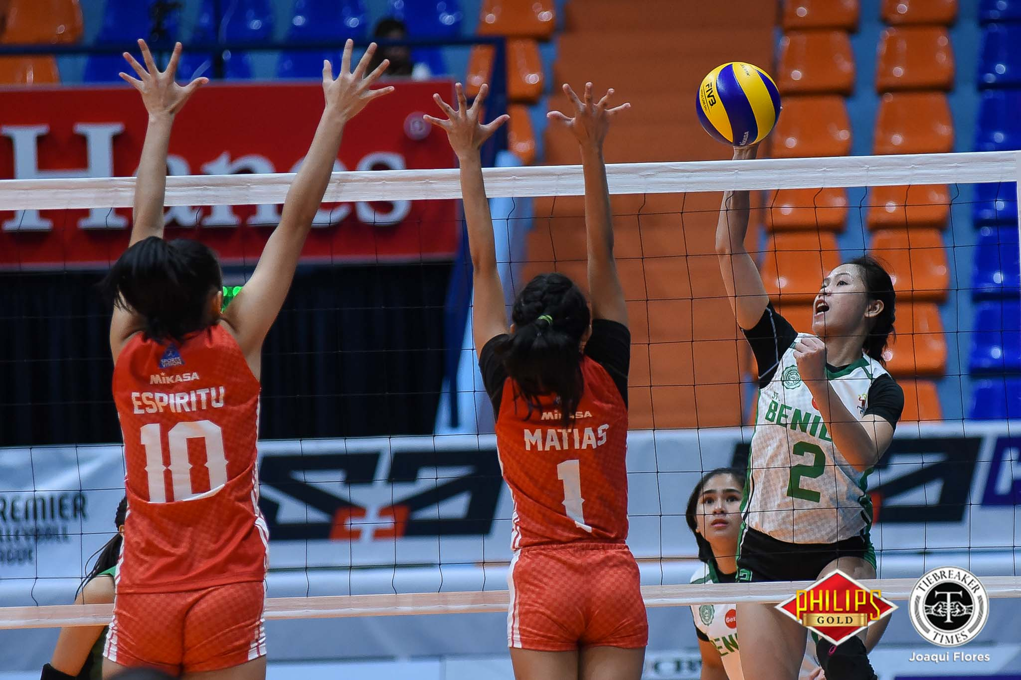 Tiebreaker Times Saint Benilde earns first win in gritty San Beda encounter CSB News PVL SBC Volleyball  San Beda Women's Volleyball Saint Benilde Women's Volleyball Nieza Viray Nemesio Gavino Melanie Torres Marites Pablo Klarissa Abriam Jieziela Viray Jewel Lai Jerry Yee 2018 PVL Women's Collegiate Conference 2018 PVL Season