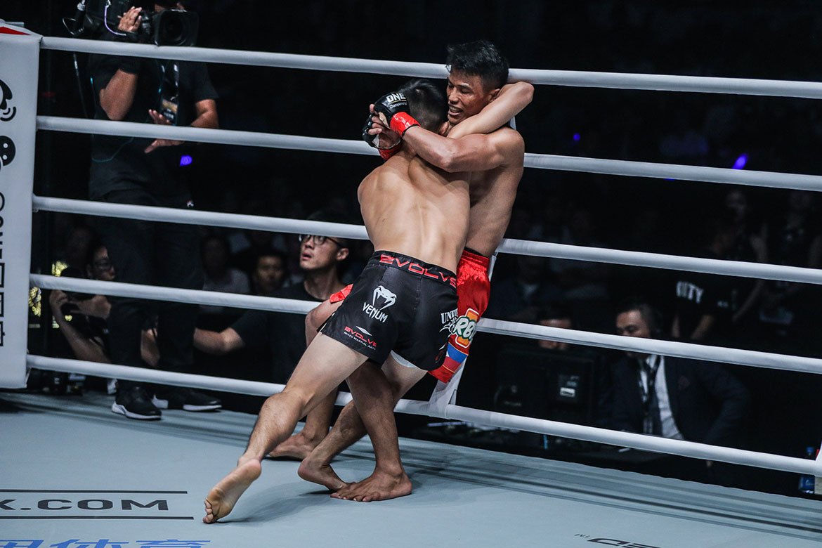 Tiebreaker Times Edward Kelly, Christian Lee get chance to settle the score Mixed Martial Arts News ONE Championship  Team Lakay ONE: Eternal Glory Edward Kelly Christian Lee