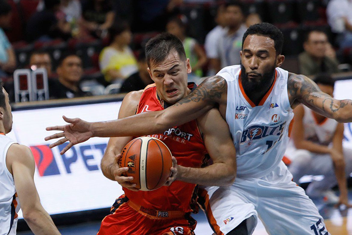 Tiebreaker Times Gun Shy No More: Sean Anthony delivers big time in end-game Basketball News PBA  Sean Anthony PBA Season 43 Northport Batang Pier 2018 PBA Governors Cup