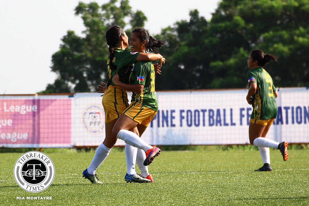 Tiebreaker Times PFFWL Roundup: La Salle sets league-record for most goals scored, continues UST chase ADMU DLSU FEU Football News PFF Women's League UP  UP Women's Football Tuloy FC Sara Castaneda Rocelle Mendaño Richelle Placencia Rey Cuenco Philip Dinglasan PFF Women's League Season 2 Nicole Andaya Martie Bautista Mariell Tejada Mariane Caparros Let Dimzon Kyra Dimaandal Kyla Javier Joyce Onrubia Janna Barcemo Isabella Dumada-og Isabella Bandoja Irish Navaja Inna Palacios Hiraya FC Hans-Peter Smit Hali Long Green Archers United Gely Tiu Franco Bambico FEU Women's Football Erma Balacua Elvin Marcellana DLSU Women's Football De La Salle Zobel Girls Football Ateneo Women's Football Arantxa Del Mundo Alisha Del Campo