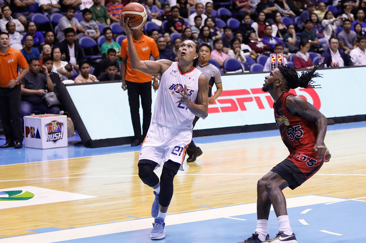 Tiebreaker Times No signs of slowing down for 40-year-old Reynel Hugnatan Basketball News PBA  Reynel Hugnatan PBA Season 43 Norman Black Meralco Bolts 2018 PBA Governors Cup