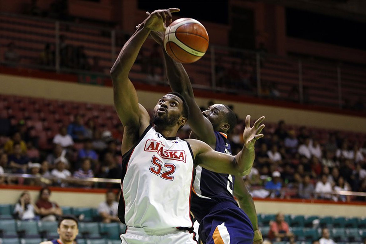 Tiebreaker Times Nothing but mutual respect between Mike Harris, Allen Durham Basketball News PBA  PBA Season 43 Mike Harris Meralco Bolts Allen Durham Alaska Aces 2018 PBA Governors Cup