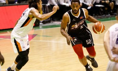 Tiebreaker Times Alaska finishes off Meralco, books Finals meet-up with Magnolia Basketball News PBA  Reynel Hugnatan PBA Season 43 Norman Black Mike Harris Meralco Bolts Kevin Racal JVee Casio Jeron Teng Chris Newsome Allen Durham Alex Compton Alaska Aces 2018 PBA Governors Cup