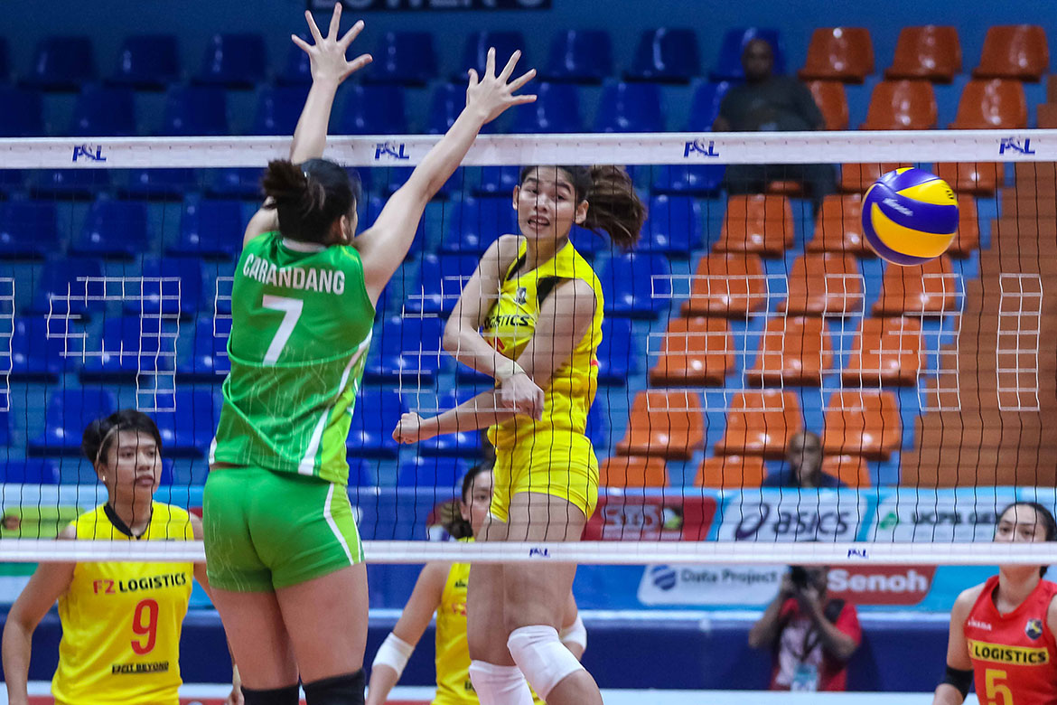 Tiebreaker Times F2 Logistics stifles Smart for fifth win News PSL Volleyball  SMART Prepaid Giga Hitters Roger Gorayeb Ramil De Jesus Majoy Baron Kim Fajardo Jerrili Malabanan Grethcel Soltones F2 Logistcs Cargo Movers Dawn Macandili Aby Marano 2018 PSL Season 2018 PSL All Filipino Conference