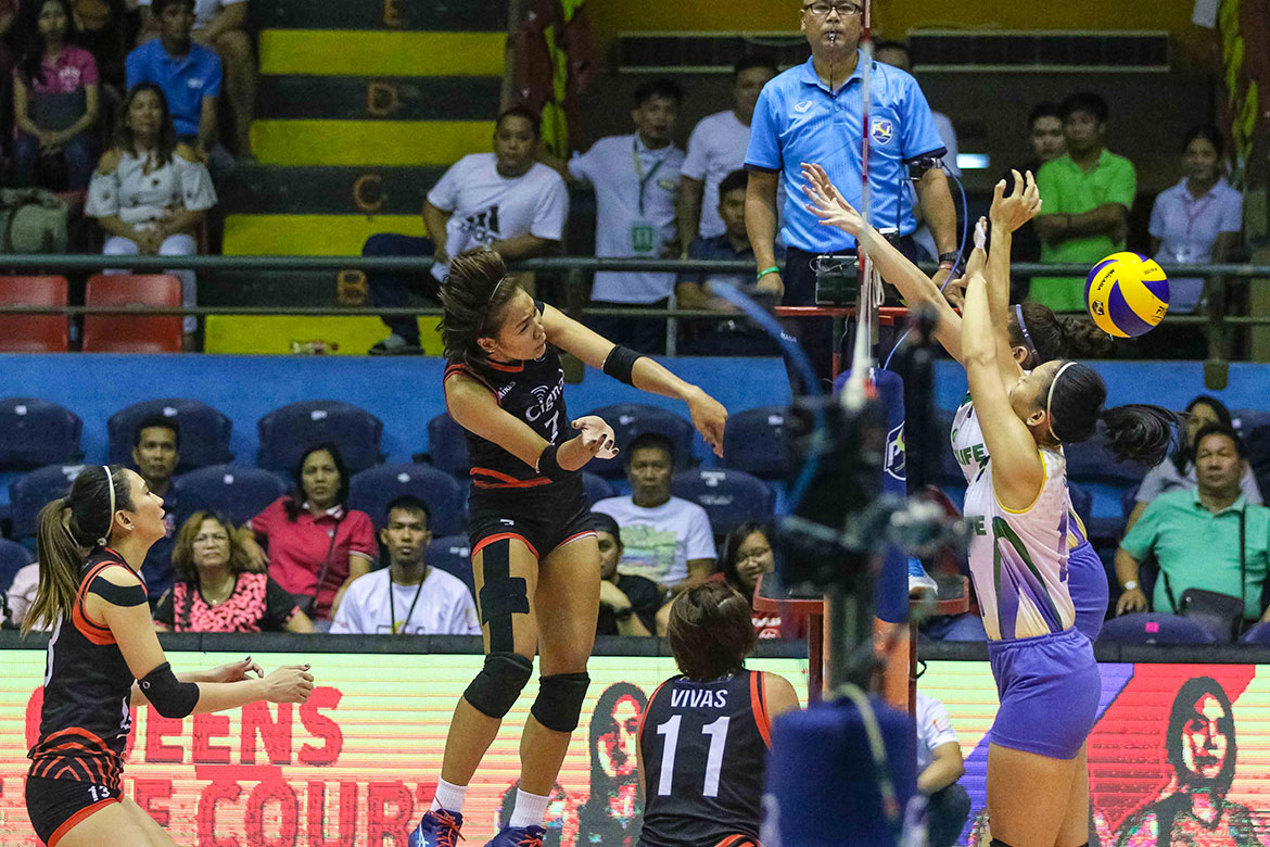 Tiebreaker Times Cignal HD gets back at Cocolife to end preliminary round News PSL Volleyball  Rachel Daquis Mylene Paat Moro Branislav Kalei Mau Jheck Dionela Edgar Barroga Cocolife Asset Managers Cignal HD Spikers Acy Masangkay 2018 PSL Season 2018 PSL All Filipino Conference