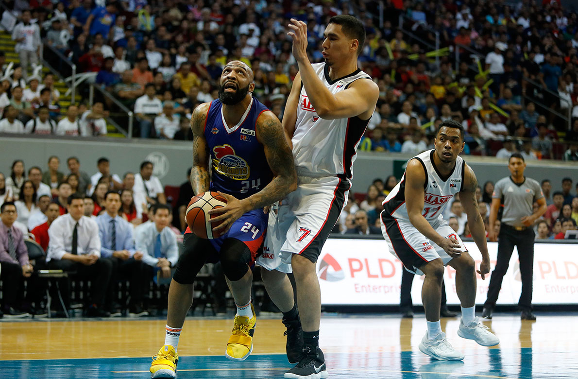 Tiebreaker Times Hotshots frustrate Aces, draw first blood in Finals Basketball News PBA  Romeo Travis PBA Season 43 Paul Lee Mike Harris Mark Barroca Magnolia Hotshots Jeron Teng Ian Sangalang Chris Banchero Chito Victolero Alex Compton Alaska Aces 2018 PBA Governors Cup