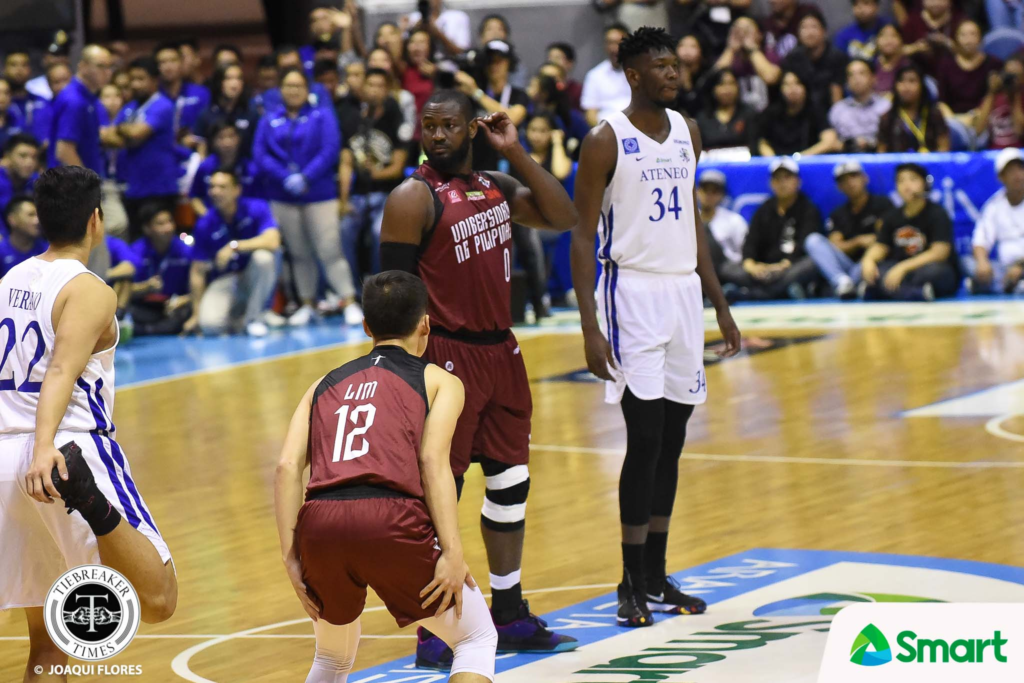 Tiebreaker Times Bright Akhuetie forced to remove metal knee brace as Ateneo raises concern for players ADMU Basketball News UAAP UP  UP Men's Basketball UAAP Season 81 Men's Basketball UAAP Season 81 Tab Baldwin Bright Akhuetie Ateneo Men's Basketball