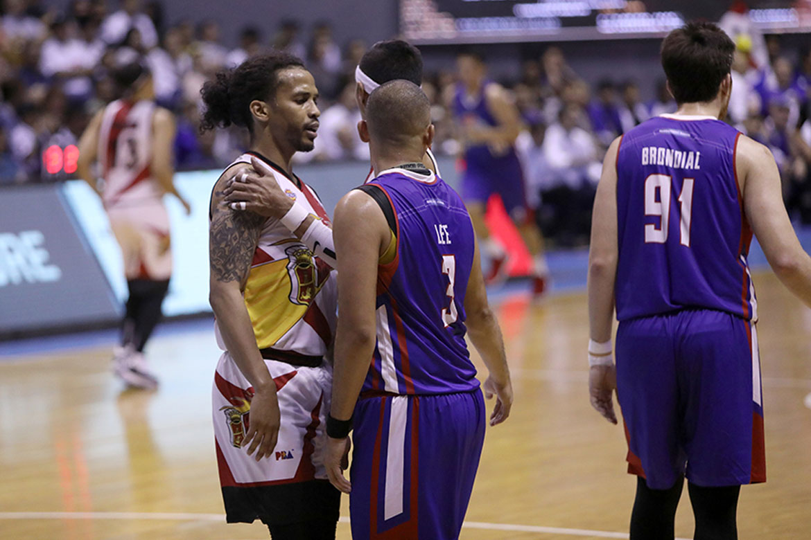 Tiebreaker Times Paul Lee, Chris Ross quick to patch things up as Alfrancis Chua turns to peacemaker Basketball News PBA  San Miguel Beermen PBA Season 44 Paul Lee Magnolia Hotshots Chris Ross Alfrancis Chua 2019 PBA Philippine Cup