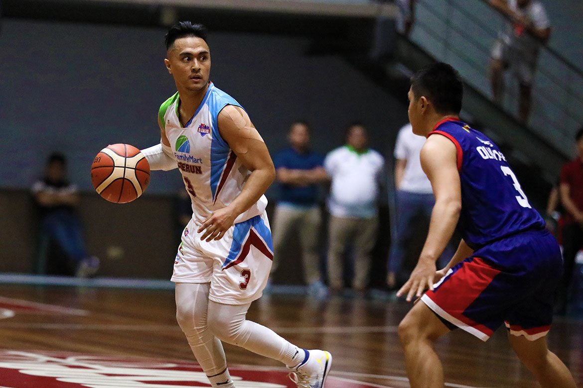 Tiebreaker Times Injuries hounding FamilyMart-Enderun early in maiden D-League run, laments Valandre Chauca Basketball News PBA D-League  Petron-Letran Knights Alvin Pasaol 2019 PBA D-League Season