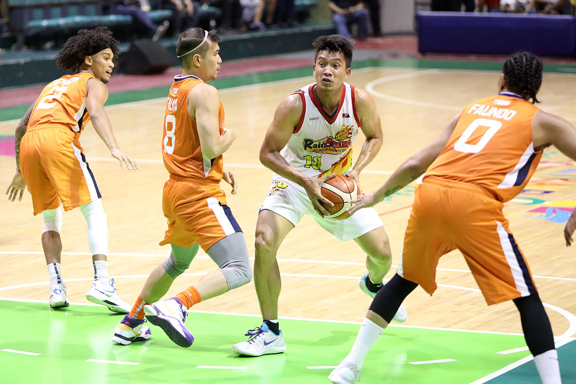Tiebreaker Times With chance to snag top two, James Yap went all out versus Meralco Basketball News PBA  Rain or Shine Elasto Painters PBA Season 44 James Yap 2019 PBA Philippine Cup