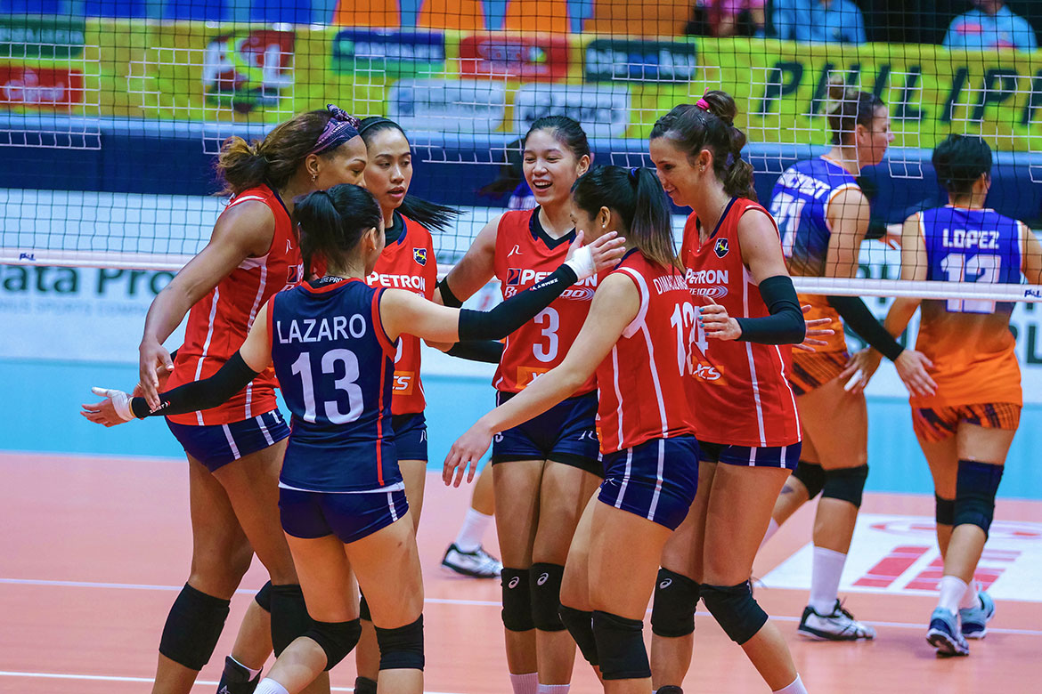 Tiebreaker Times Mika Reyes, Petron zoom to 12th straight win, end Generika-Ayala's streak News PSL Volleyball  Stephanie Niemer Som Kuthaisong Sherwin Meneses Shaq delos Santos Rhea Dimaculangan Petron Blaze Spikers Mika Reyes Generika-Ayala Lifesavers Fiolla Ceballos Denden Lazaro 2019 PSL Season 2019 PSL Grand Prix