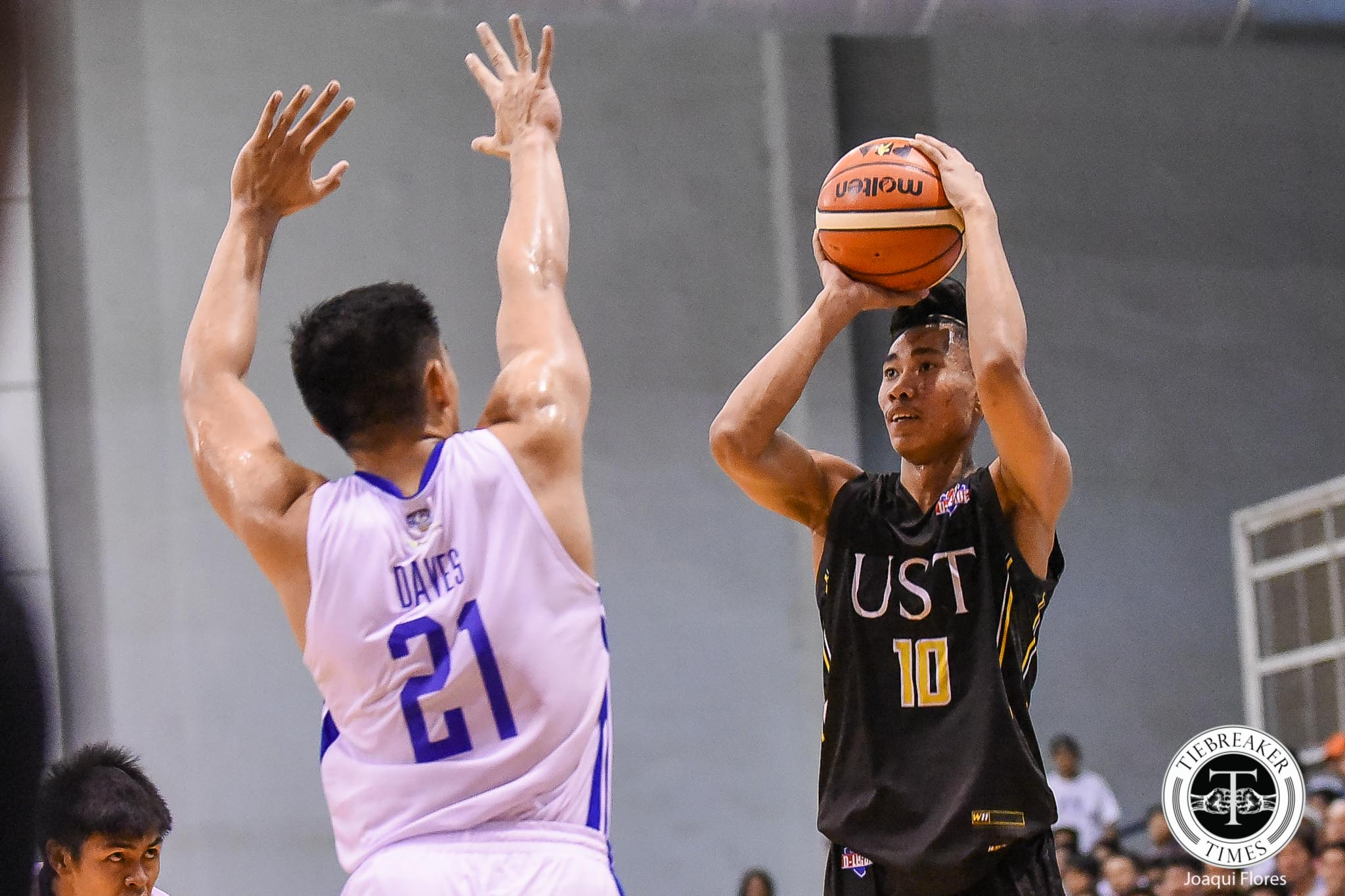 Tiebreaker Times Rhenz Abando admits idolizing Ravena bros growing up Basketball News PBA D-League UST  UST Men's Basketball Rhenz Abando 2019 PBA D-League Season