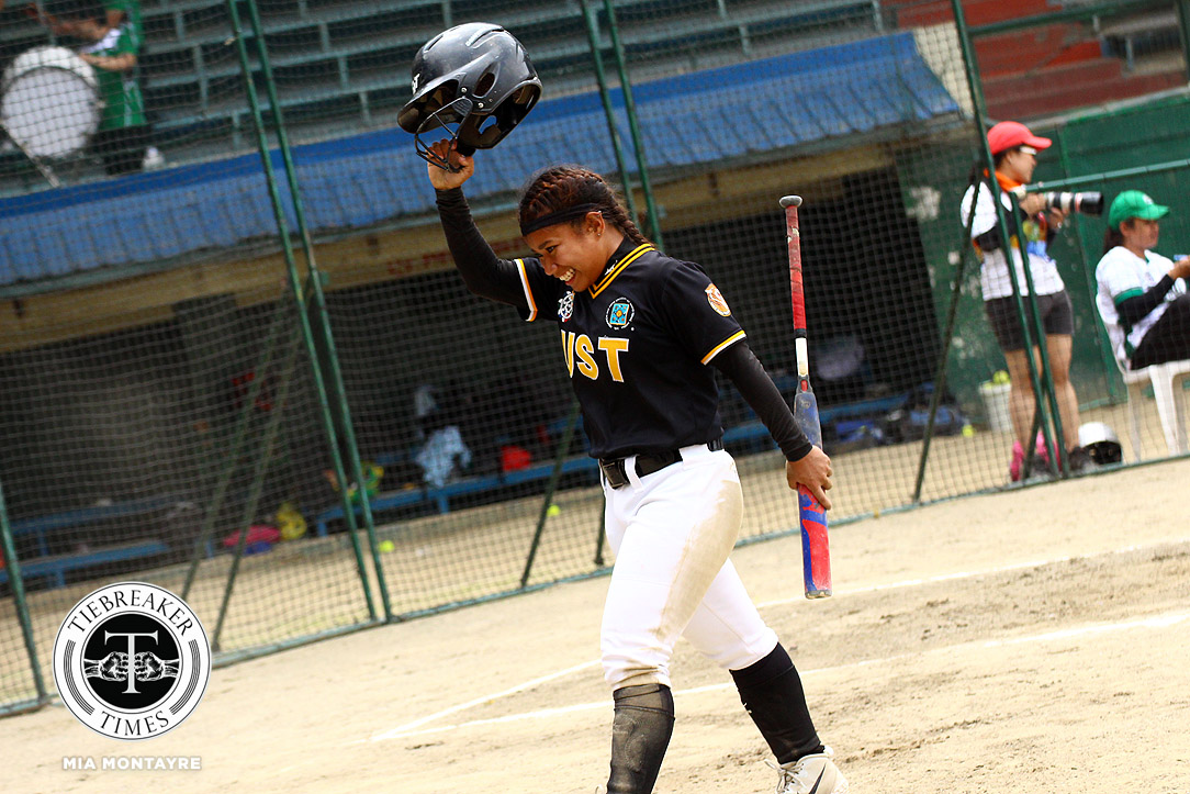 Tiebreaker Times Hannah Dela Torre paces seniors, extends UST Tiger Softbelles' season AdU News Softball UAAP UST  UST Tiger Softbelles UST Softball UAAP Season 81 Softball UAAP Season 81 Sandy Barredo Kiana juan Hannah dela Torre DLSU Softball Celyn Ojare